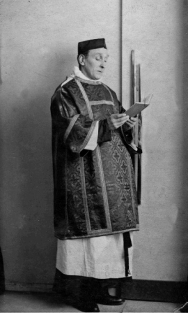 Mr Smart, sacristan at St Michael's, 1915